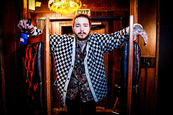 Post Malone「Post Malone Behind The Scenes Before His Bud Light Dive Bar Tour Show in Nashville」:写真・画像(0)[壁紙.com]