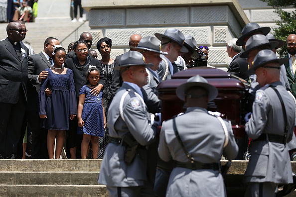 2015 Emanuel AME Church Charleston Shootings「Charleston Church Shooting Victim Sen. Pinckney Lies In Repose At South Carolina Capitol」:写真・画像(18)[壁紙.com]