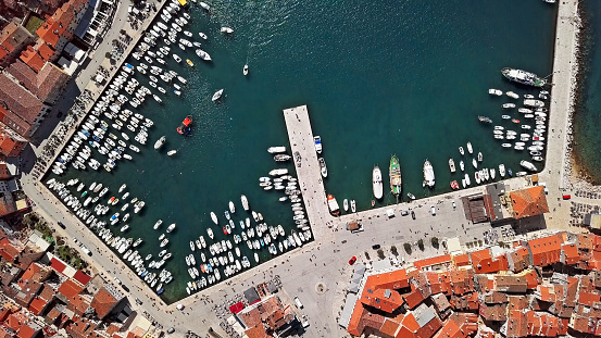 Bay of Water「Top overhead aerial view of harbor and old town Rovinj. Istria, Croatia.」:スマホ壁紙(13)