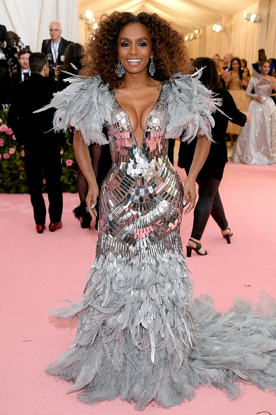 Silver Colored「The 2019 Met Gala Celebrating Camp: Notes on Fashion - Arrivals」:写真・画像(11)[壁紙.com]