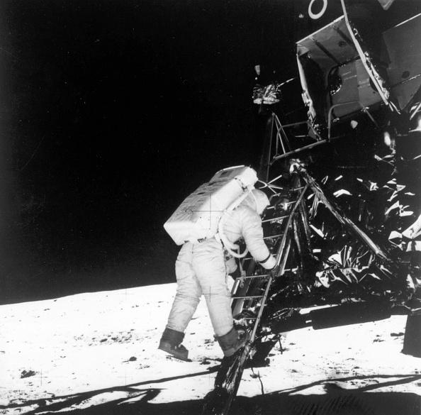 Arrival「Moon Landing」:写真・画像(1)[壁紙.com]