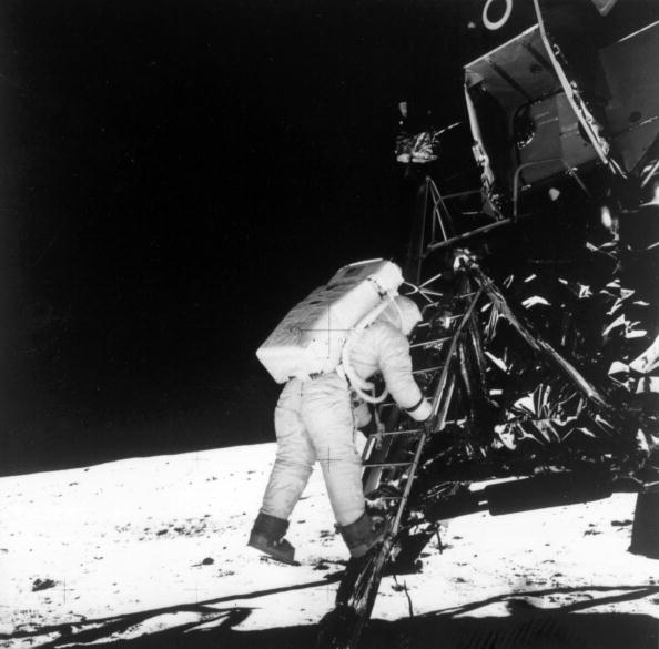 Arrival「Moon Landing」:写真・画像(12)[壁紙.com]
