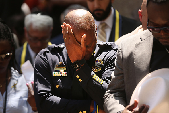 Police Force「Five Police Officers Killed During Anti-Police Brutality March In Dallas」:写真・画像(18)[壁紙.com]