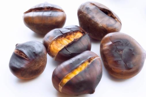栗「Chestnuts, close-up」:スマホ壁紙(9)