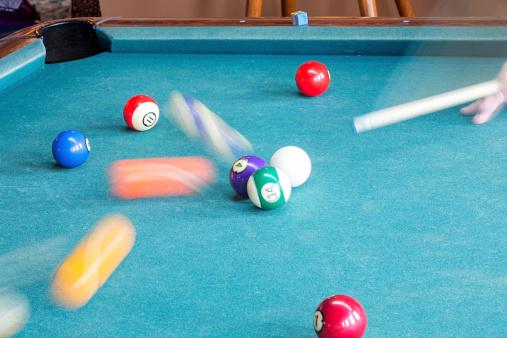 Competitive Sport「Pool Balls in Motion」:スマホ壁紙(8)