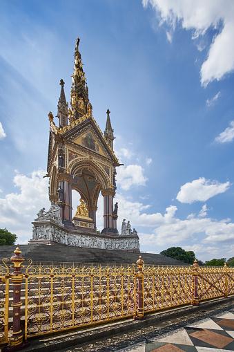 Prince - Royal Person「The Albert memorial, Kensington Gardens, London.」:スマホ壁紙(15)