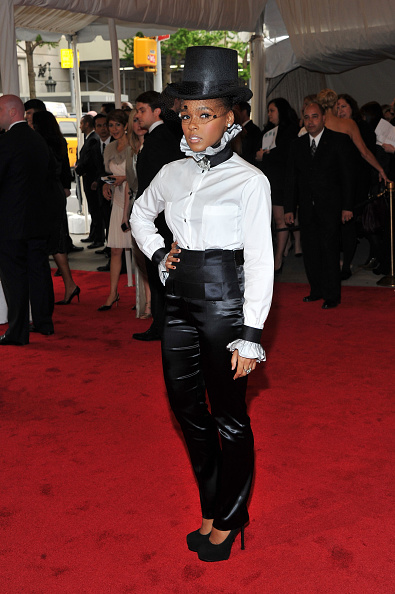 "Skinny Pants「""Alexander McQueen: Savage Beauty"" Costume Institute Gala At The Metropolitan Museum Of Art - Arrivals」:写真・画像(6)[壁紙.com]"