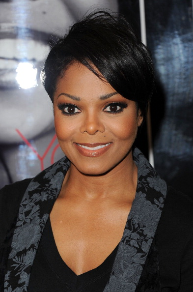 """Side Part「Janet Jackson Book Signing For """"True You: A Guide To Finding And Loving Yourself""""」:写真・画像(11)[壁紙.com]"""