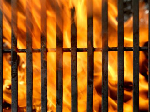 炎「バーベキューグリルと輝く夕日」:スマホ壁紙(4)