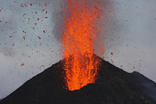Volcanic Activity「May 10, 2009 - Stromboli eruption, Aeolian Islands, north of Sicily, Italy.」:スマホ壁紙(19)