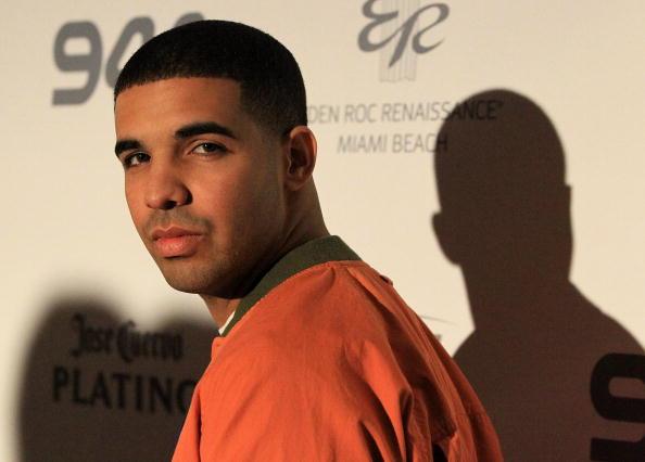 Drake - Entertainer「Hotel 944 At Eden Roc Resort」:写真・画像(6)[壁紙.com]