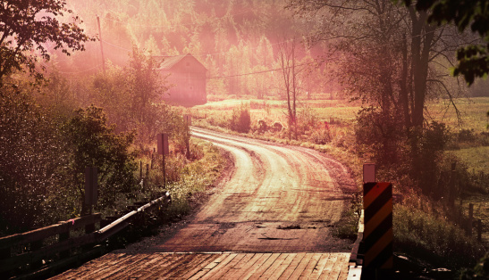Eastern Townships「Autumn panoramic landscape with winding road and fog」:スマホ壁紙(8)
