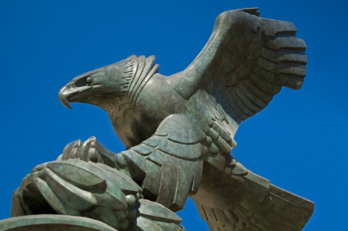 Landing - Touching Down「Eagle Sculpture at East Coast Memorial by Albino Manca」:スマホ壁紙(3)