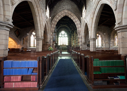 Singer「Centre Aisle And Shelves Of Hymn Books Inside A Church; Northumberland England」:スマホ壁紙(10)