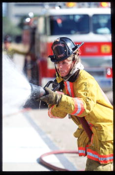Hose「First All Female Firefighter Company」:写真・画像(11)[壁紙.com]