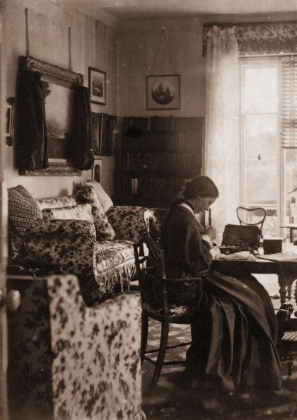 Only Women「Dressmaker」:写真・画像(2)[壁紙.com]