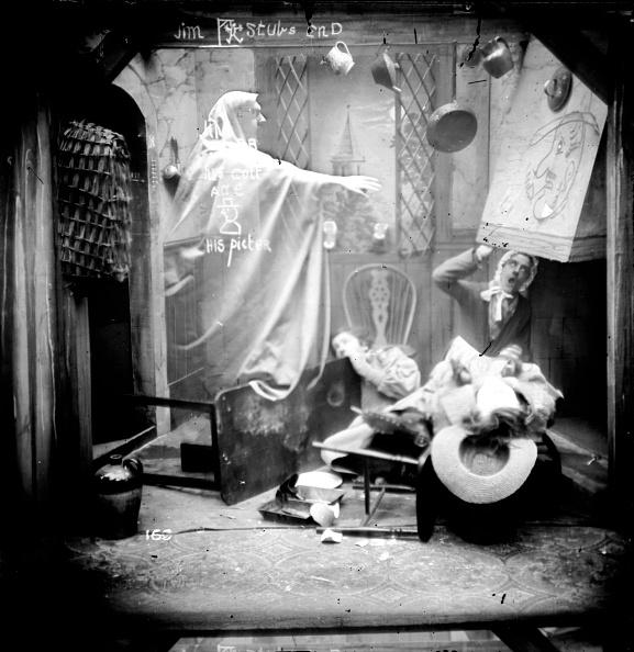 Hiding「Menacing Apparition」:写真・画像(16)[壁紙.com]