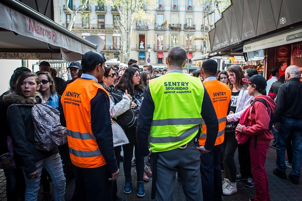 Security「Barcelona Takes Strict Measures Over Increasing Numbers Of Tourists」:写真・画像(9)[壁紙.com]