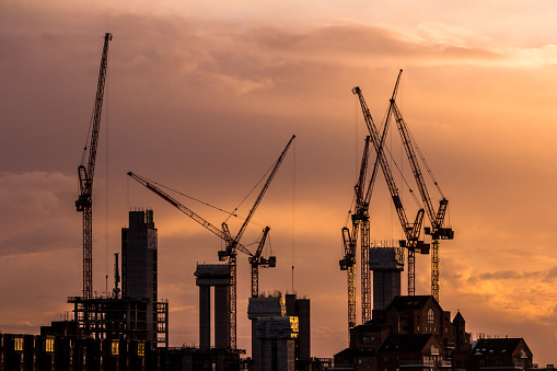 Crane - Construction Machinery「Cranes and construction equipment on London city skyline」:スマホ壁紙(14)