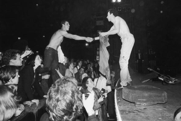 ポップコンサート「Swapping Shirts With Joe」:写真・画像(8)[壁紙.com]