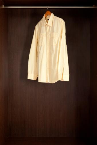 Well-dressed「Wrinkled shirt」:スマホ壁紙(3)