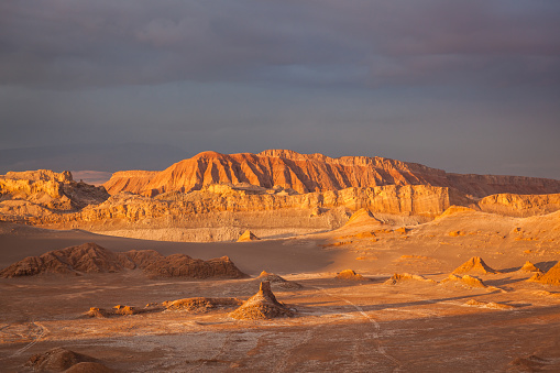 Atacama Region「Valle de la Luna, Moon Valle at Sunset, Atacama Desert」:スマホ壁紙(10)