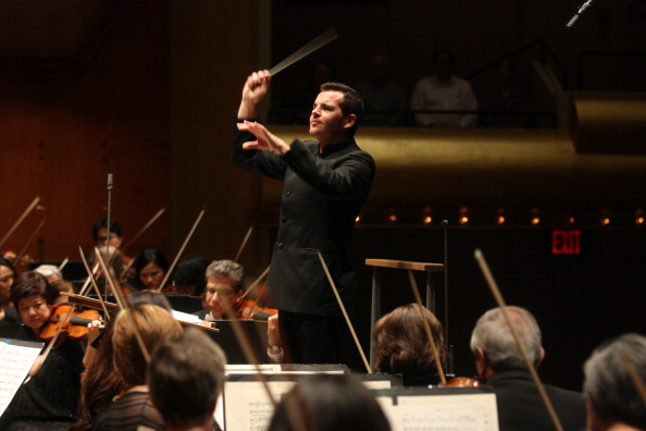 Classical Concert「Lionel Bringuier」:写真・画像(3)[壁紙.com]