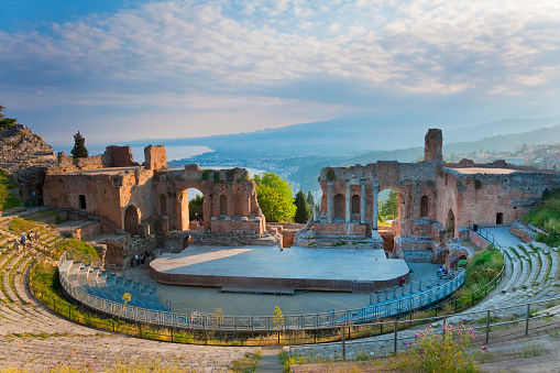 Archaeology「Greek theater at Taormina in Sicily」:スマホ壁紙(17)