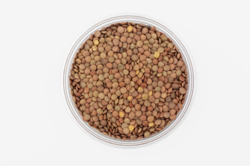Chemical「Bowl of uncooked lentils, overhead view」:スマホ壁紙(16)