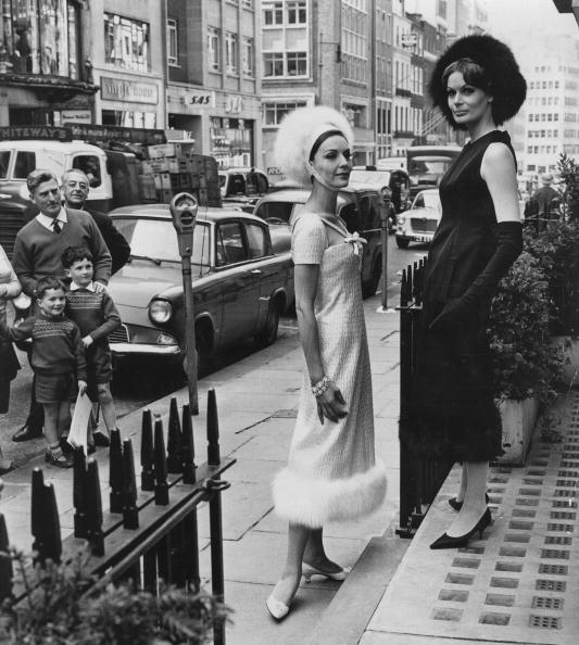 クリスチャンディオール「Dresses By Dior」:写真・画像(7)[壁紙.com]
