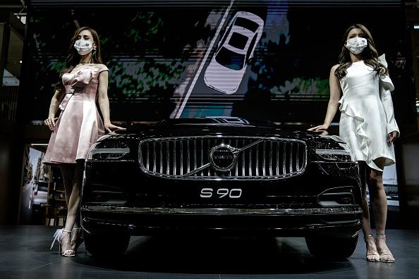 Volvo「Auto Show Kicks Off In Wuhan Amid Global Pandemic」:写真・画像(2)[壁紙.com]