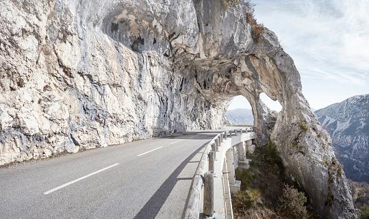 Tunnel「Empty mountain road」:スマホ壁紙(6)