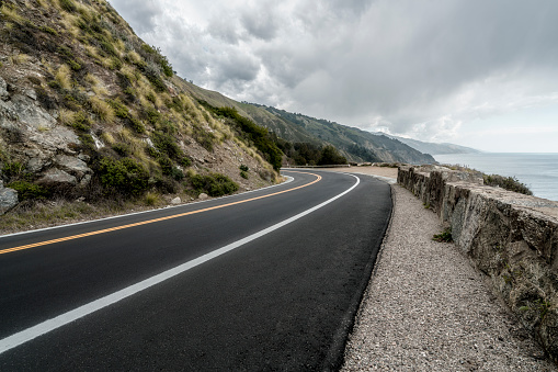 California State Route 1「empty mountain highway in California」:スマホ壁紙(1)