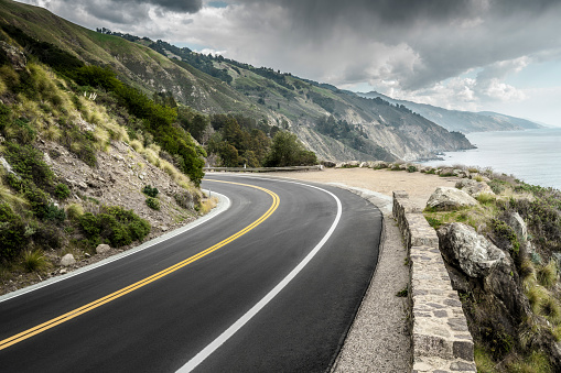 California State Route 1「empty mountain highway in California」:スマホ壁紙(17)