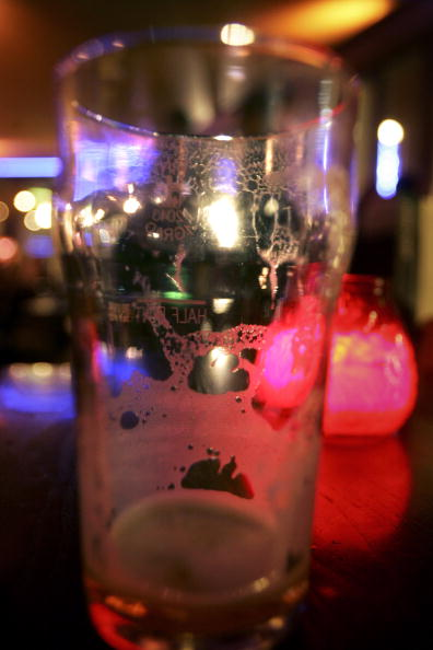 Crockery「Controversial Law To Permit 24 Hour Drinking Sparks Row」:写真・画像(3)[壁紙.com]