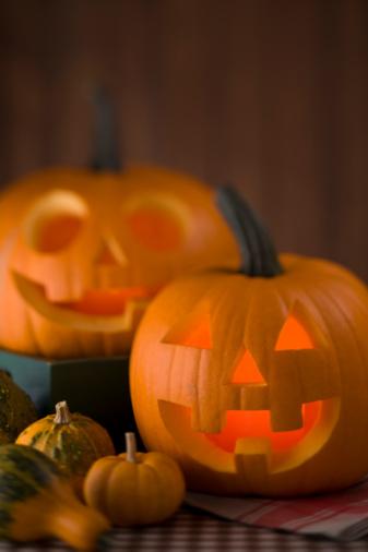 ハロウィン「Halloween」:スマホ壁紙(1)