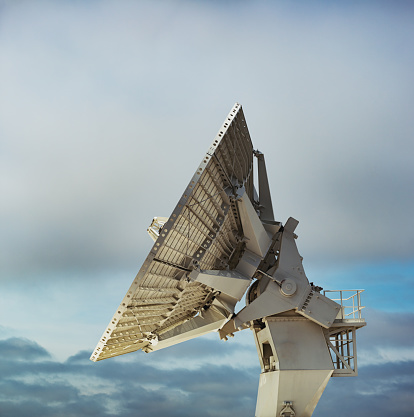 Antenna - Aerial「Missle Tracking Satellite Dish」:スマホ壁紙(2)