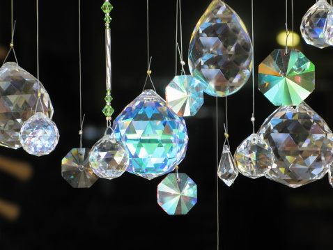 19th Century「Crystals Diamonds Hanging Glass」:スマホ壁紙(19)