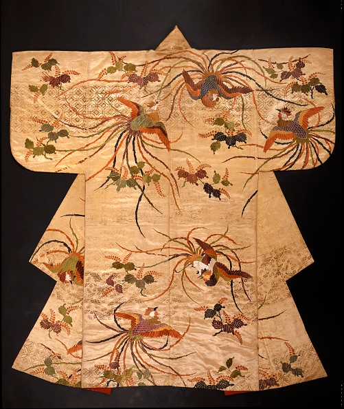 着物「Nuihaku No Robe With Phoenixes And Branches」:写真・画像(4)[壁紙.com]