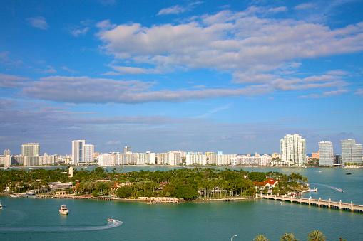 Miami Beach「Boats, bay and residential towers, Miami Beach」:スマホ壁紙(16)
