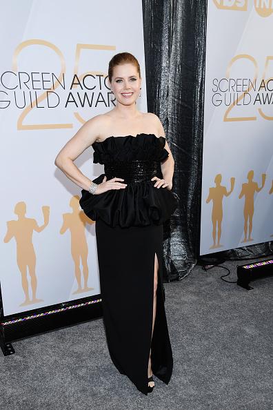 カメラ目線「25th Annual Screen ActorsGuild Awards - Red Carpet」:写真・画像(14)[壁紙.com]
