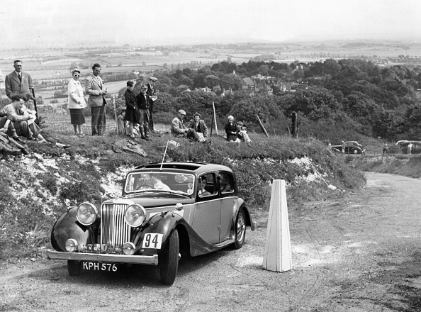 Bollard「1946 Jaguar 1.5 Litre On The 1954 Eastbourne Rally. Creator: Unknown.」:写真・画像(4)[壁紙.com]