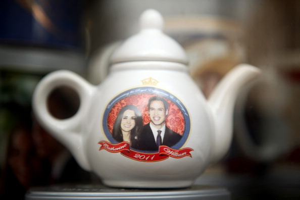 Souvenir「Memorabilia On Sale Ahead Of The Royal Wedding In April」:写真・画像(14)[壁紙.com]