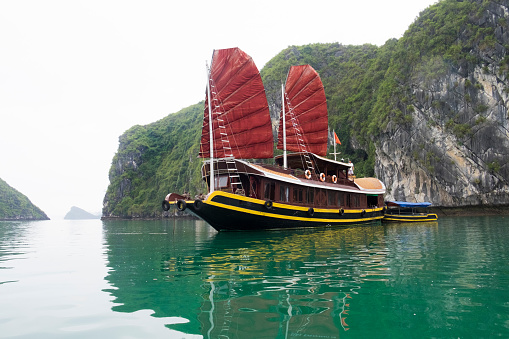 Pacific Ocean「Halong Bay, Vietnam」:スマホ壁紙(15)