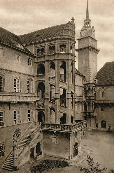 Leipzig - Saxony「Torgau - Hartenfels Castle courtyard, 1931」:写真・画像(15)[壁紙.com]