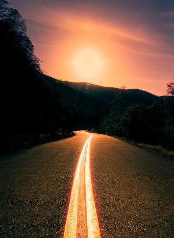 Winding Road「Curving road through hills」:スマホ壁紙(11)