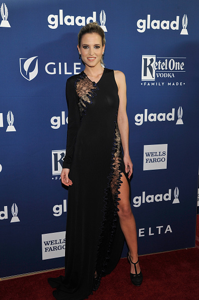 Asymmetric Clothing「Ketel One Family-Made Vodka, a longstanding ally of the LGBTQ community, stands as a proud partner of GLAAD for the 29th Annual GLAAD Media Awards Los Angeles」:写真・画像(18)[壁紙.com]