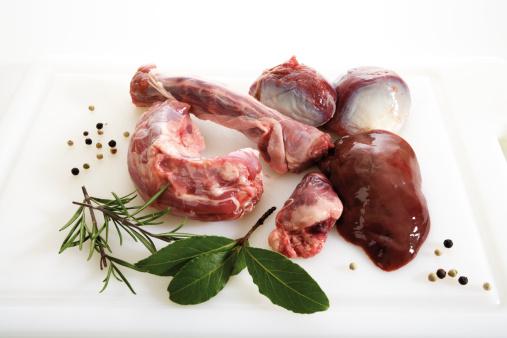 Bay Leaf「Giblets of goose on kitchen board」:スマホ壁紙(4)