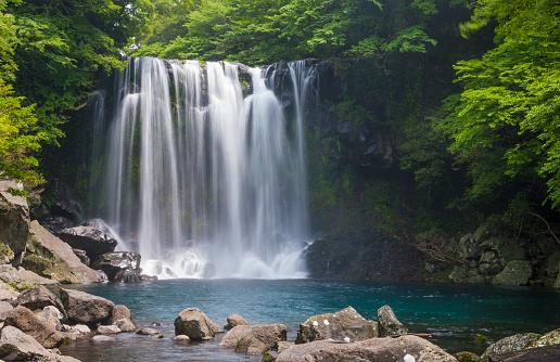 Jeju Island「Waterfall at Cheonjeyeon falls on Jeju Island」:スマホ壁紙(4)