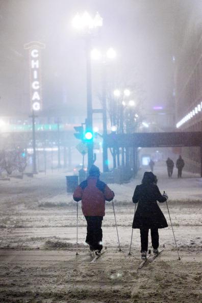 Snow「Major Blizzard Roars Through Chicago Area」:写真・画像(13)[壁紙.com]